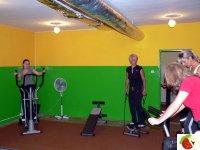 Każde ćwiczenie jest obserowane przez trenera.